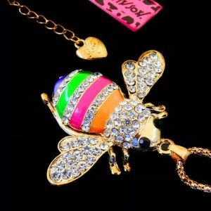 Betsey Johnson enamel/crystal bee necklace NWT